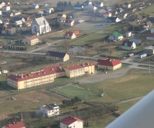 Archiwalny film z 2006 roku – Poświęcenie nowego budynku Zespołu Szkół w Kupnie