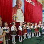 XVII Gminny Festiwal Papieski w Szkole Podstawowej im. Jana Pawła II w Kupnie