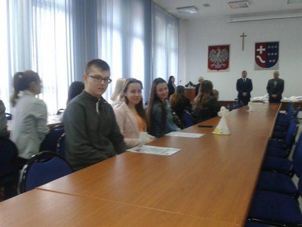 Nasi uczniowie na XII Powiatowym Konkursie na Ludowe Ozdoby Bożonarodzeniowe  i Akcesoria Kolędnicze