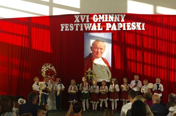 XVI Gminny Festiwal Papieski